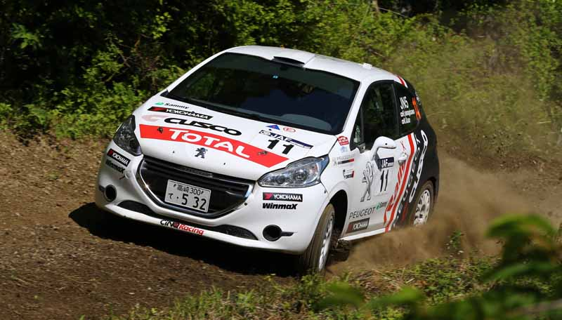 peugeot-208-r2-achieve-a-victory-for-two-consecutive-victories-in-the-fourth-round-jn5-class-all-japan-rally-championship20160613-3