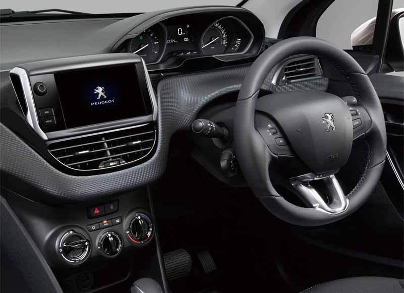 peugeot-citroen-japon-entry-model-208-style-plus-a-limited-release20160602-4
