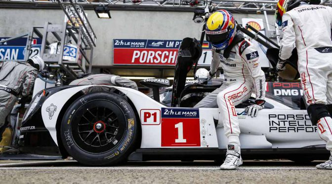porsche-919-hybrid-of-wec-machine-run-the-french-suburb-of-public-road-at-320km-h-than20160609-9