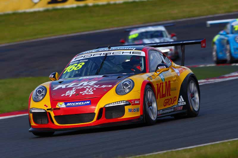 porsche-carrera-cup-japan-fifth-6-races-take-away-the-five-wins-this-season-in-the-winning-streak-of-the-tsubasa-kondo20160606-13