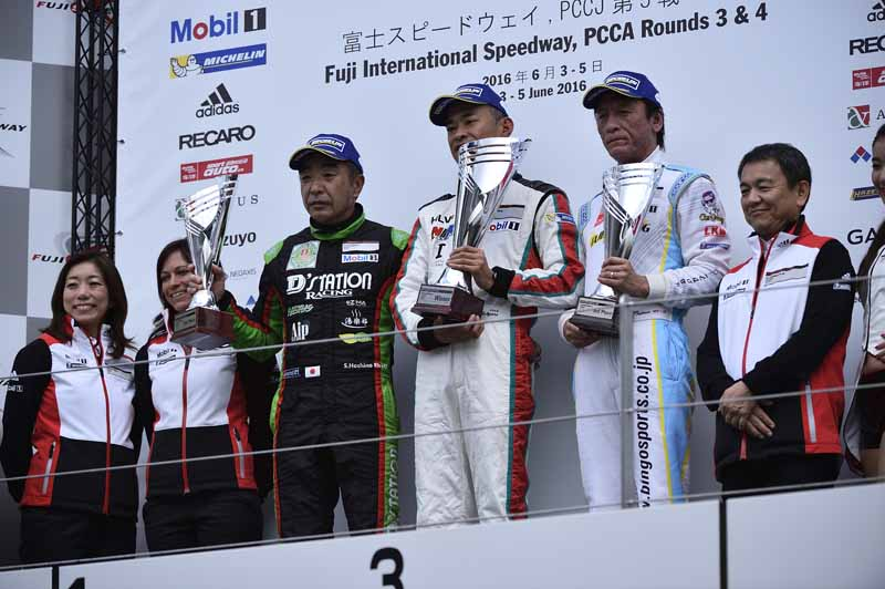 porsche-carrera-cup-japan-fifth-6-races-take-away-the-five-wins-this-season-in-the-winning-streak-of-the-tsubasa-kondo20160606-16