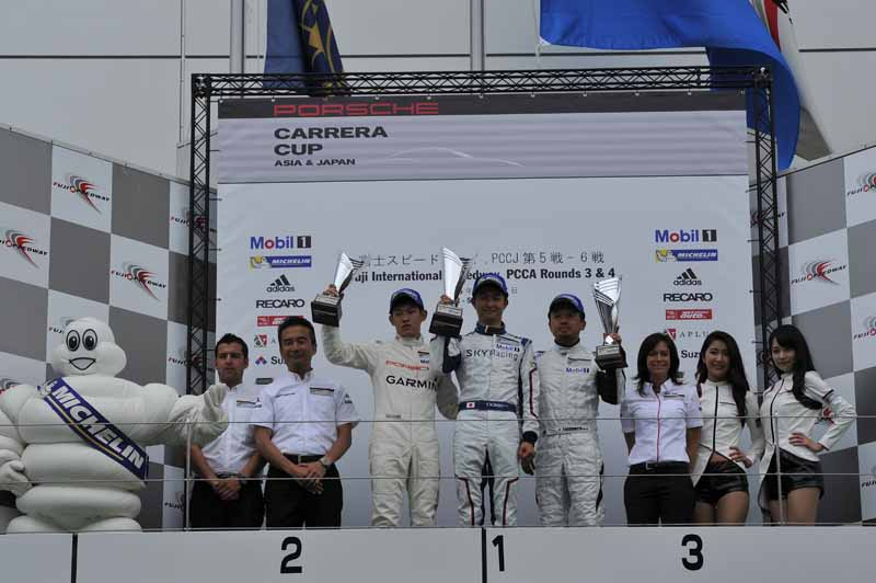 porsche-carrera-cup-japan-fifth-6-races-take-away-the-five-wins-this-season-in-the-winning-streak-of-the-tsubasa-kondo20160606-24