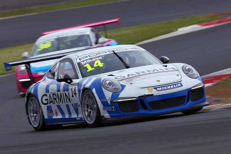porsche-carrera-cup-japan-fifth-6-races-take-away-the-five-wins-this-season-in-the-winning-streak-of-the-tsubasa-kondo20160606-25