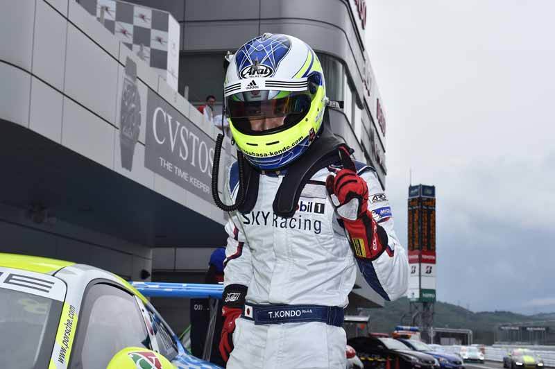 porsche-carrera-cup-japan-fifth-6-races-take-away-the-five-wins-this-season-in-the-winning-streak-of-the-tsubasa-kondo20160606-28