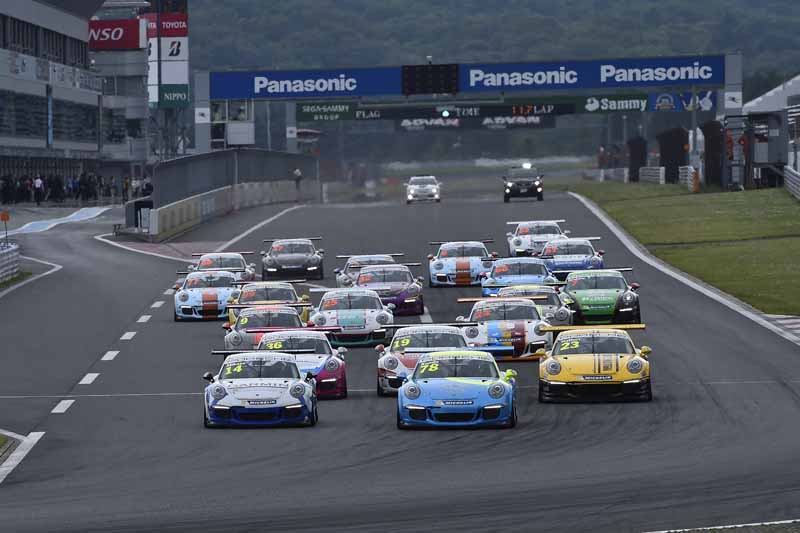 porsche-carrera-cup-japan-fifth-6-races-take-away-the-five-wins-this-season-in-the-winning-streak-of-the-tsubasa-kondo20160606-30