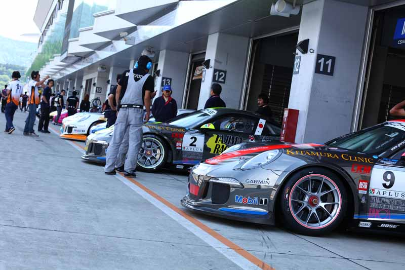 porsche-carrera-cup-japan-fifth-6-races-take-away-the-five-wins-this-season-in-the-winning-streak-of-the-tsubasa-kondo20160606-35