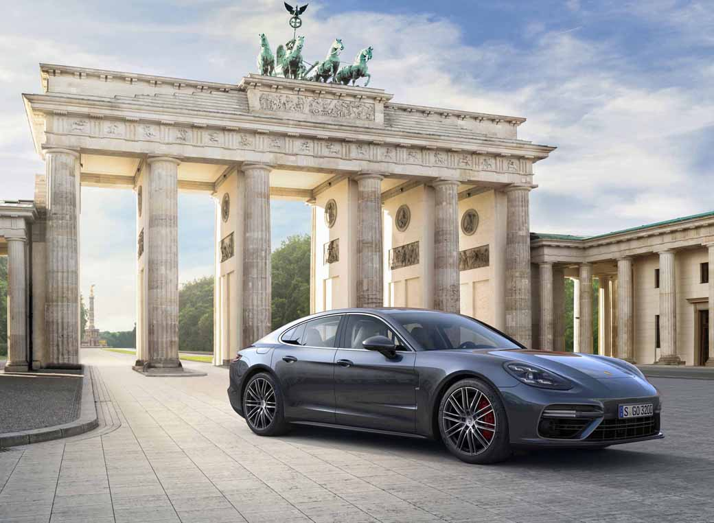 porsche-held-the-world-premiere-of-the-new-panamera-in-berlin20160629-1