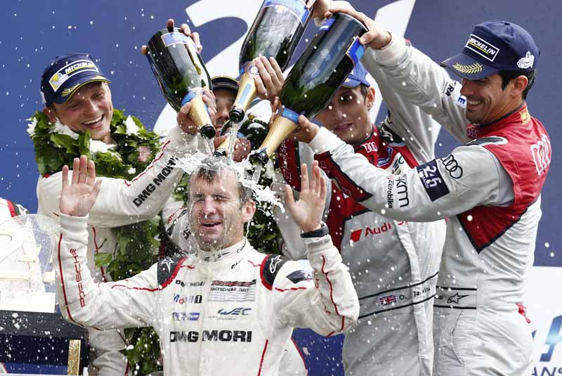 porsche-overall-victory-the-le-mans-24-hour-race-which-celebrated-its-18-th-dramatic-finale20160621-9