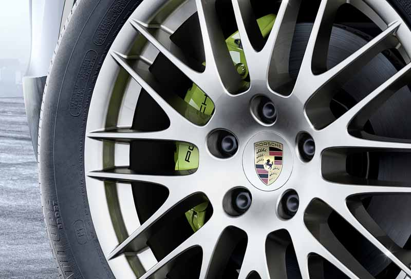 porsche-the-start-of-the-booking-orders-for-the-cayenne-platinum-edition20160602-6