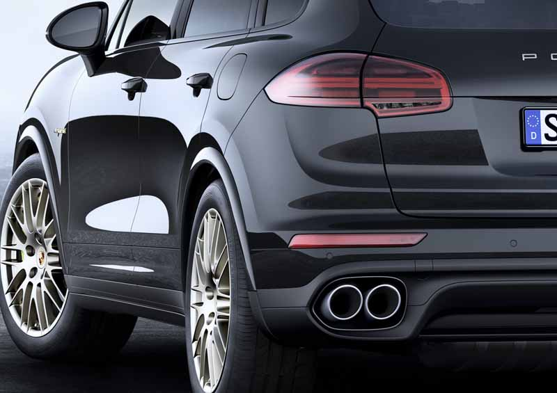 porsche-the-start-of-the-booking-orders-for-the-cayenne-platinum-edition20160602-8