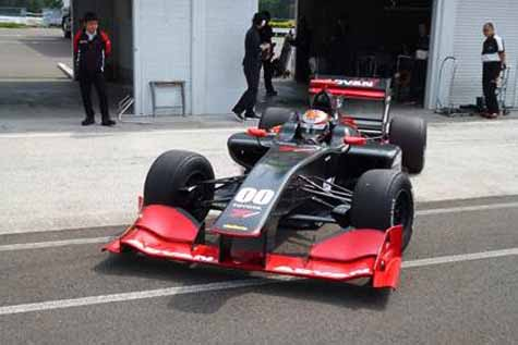 super-formula-conducted-a-two-spec-tire-test-at-sugo29160610-1
