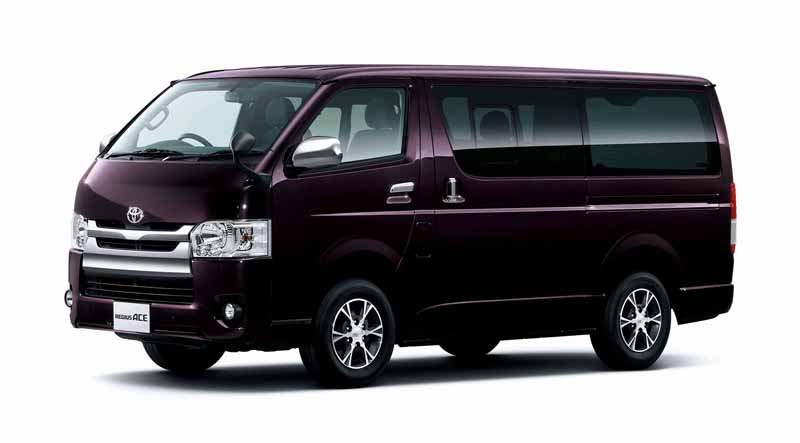toyota-improved-part-in-response-to-an-increase-in-the-elderly-population-the-hiace-and-regius-ace20160601-11