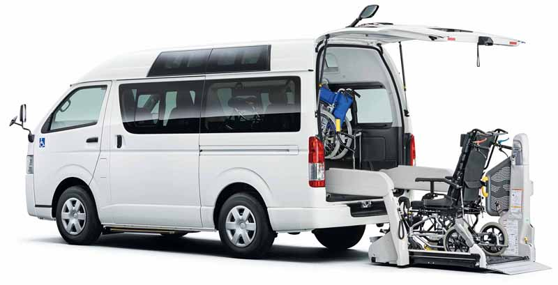 toyota-improved-part-in-response-to-an-increase-in-the-elderly-population-the-hiace-and-regius-ace20160601-9