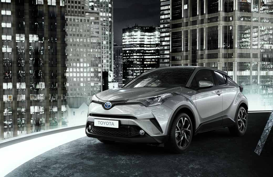 toyota-unveiled-the-interior-design-of-the-toyota-c-hr-in-milan-italy20160628-10