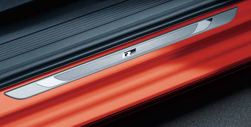 volkswagen-adding-tsi-r-line-to-the-golf-touran20160621-17