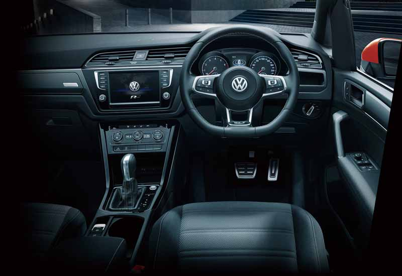 volkswagen-adding-tsi-r-line-to-the-golf-touran20160621-6
