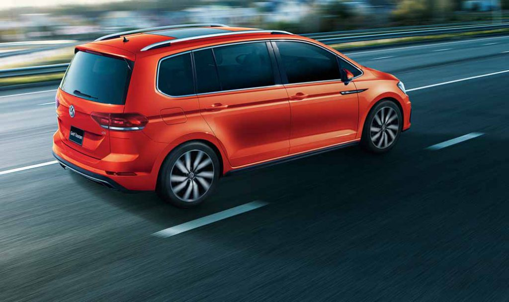volkswagen-adding-tsi-r-line-to-the-golf-touran20160621-8