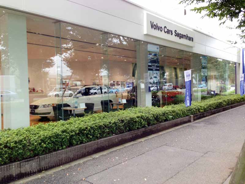 volvo-car-sagamihara-adopted-reopened-a-new-showroom-ci-volvo-retail-experience20160604-5