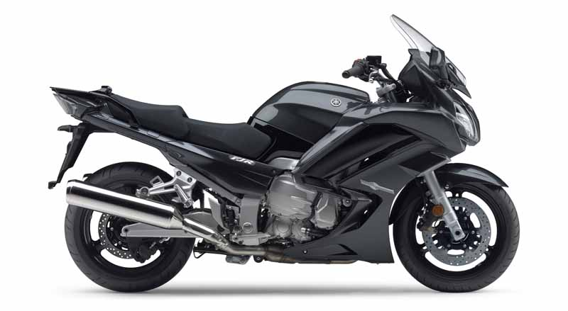 yamaha-motor-co-long-distance-tourer-fjr1300as-that-combines-sportiness-launched-the-same-1300a20160609-2