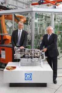 zf-started-production-of-the-new-8-speed-dual-clutch-transmission-in-brandenburg20160618-3