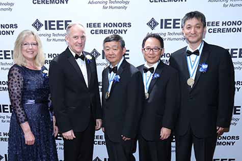 denso-awarded-the-ieee-medal-at-the-international-society-of-the-electrical-and-electronic-fields20160706-4