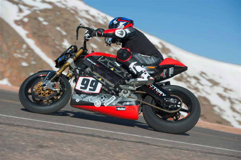 enparusu-rr-of-victory-made-ev-two-wheeled-racer-class-victory-in-the-2016-pikes-peak-hill-climb20160702-2