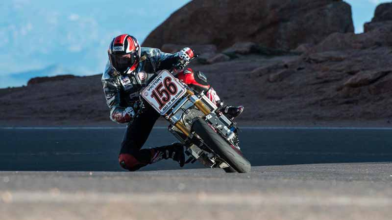 enparusu-rr-of-victory-made-ev-two-wheeled-racer-class-victory-in-the-2016-pikes-peak-hill-climb20160702-3