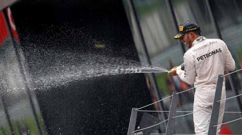 f1-austria-gp-finals-hamilton-wrest-the-victory-after-a-fierce-battle-fulfill-the-baton-sixth-place20160704-34