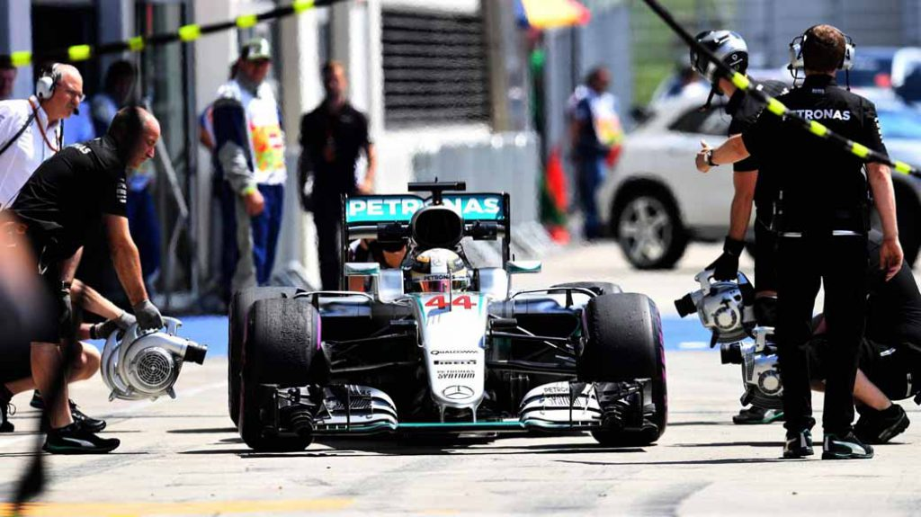 f1-austria-gp-qualifying-hamilton-pp-won-he-won-the-baton-third-place-grid20160703-37