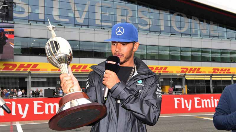 f1-british-gp-qualifying-mercedes-1-and-2-win-monopolize-the-red-bull-camp-2-row-of-the-grid20160710-21