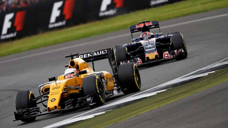 f1-british-gp-qualifying-mercedes-1-and-2-win-monopolize-the-red-bull-camp-2-row-of-the-grid20160710-27
