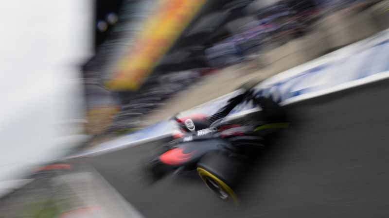 f1-british-gp-qualifying-mercedes-1-and-2-win-monopolize-the-red-bull-camp-2-row-of-the-grid20160710-30