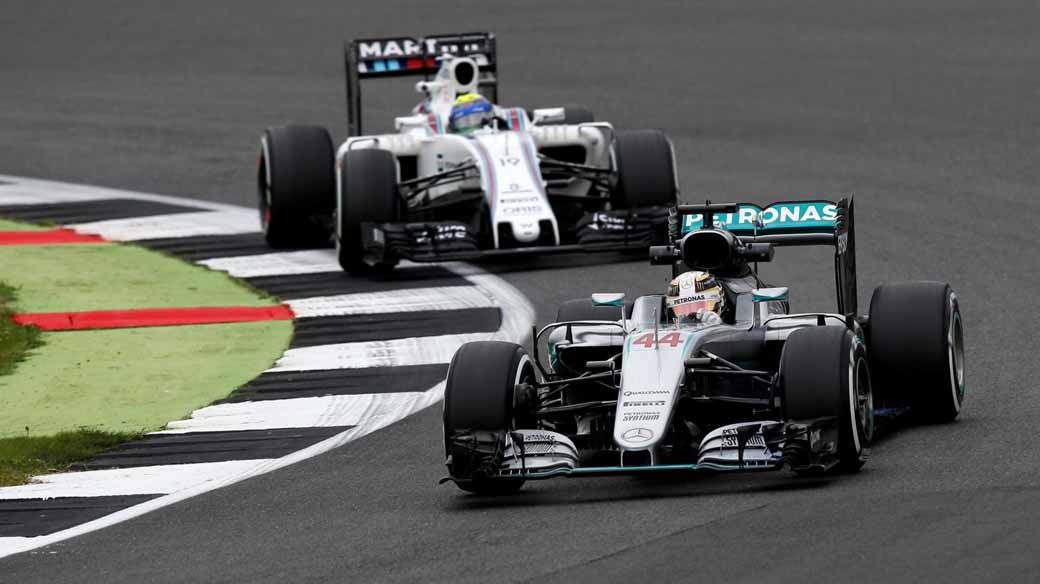 f1-british-gp-qualifying-mercedes-1-and-2-win-monopolize-the-red-bull-camp-2-row-of-the-grid20160710-42