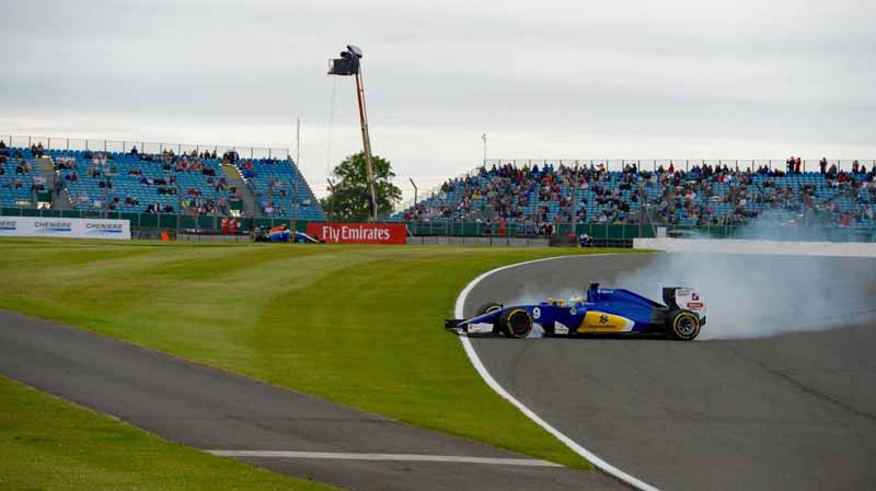 f1-british-gp-qualifying-mercedes-1-and-2-win-monopolize-the-red-bull-camp-2-row-of-the-grid20160710-44