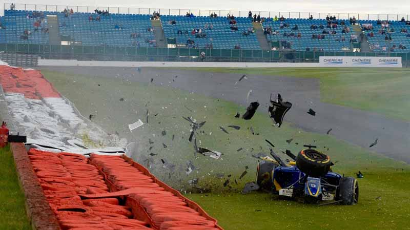 f1-british-gp-qualifying-mercedes-1-and-2-win-monopolize-the-red-bull-camp-2-row-of-the-grid20160710-47