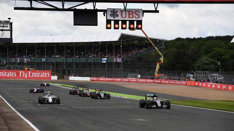 f1-british-gp-qualifying-mercedes-1-and-2-win-monopolize-the-red-bull-camp-2-row-of-the-grid20160710-8