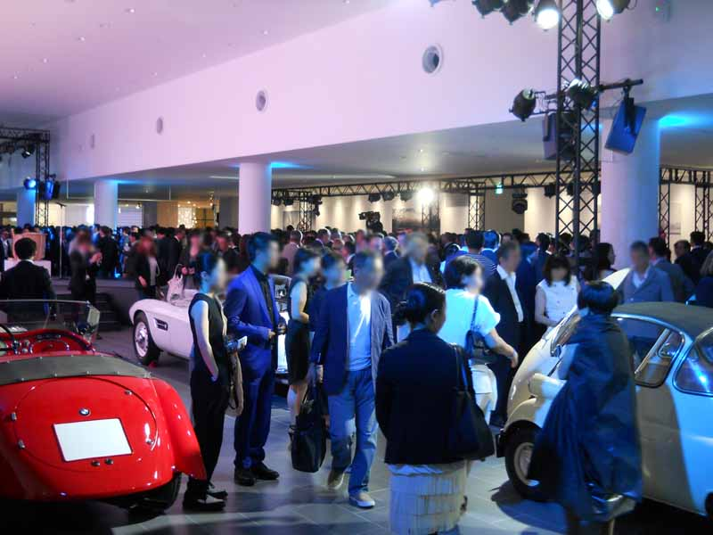 it-is-bmw-group-tokyobay-opening-event-the-next100years-implementation20160709-98