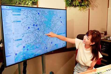 japans-first-car-of-digital-radio-amanek-channel-july-15-began-broadcasting-in-japan20160717-2