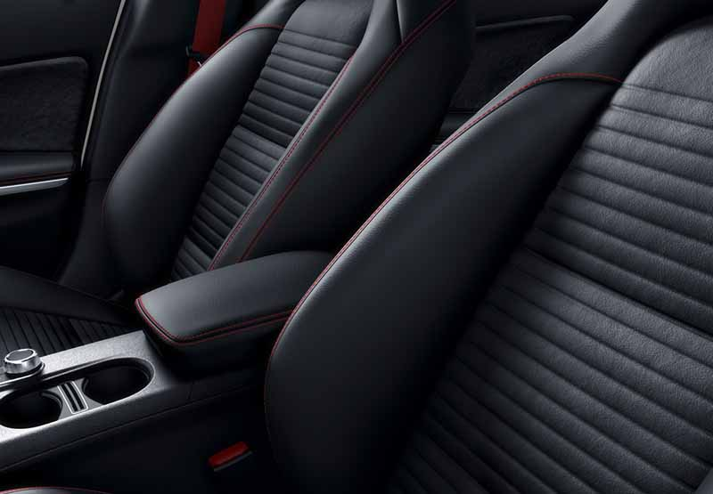 mercedes-amg-a45-4matic-racing-edition-announcement-amgs-first-5-83-million-yen20160720-14