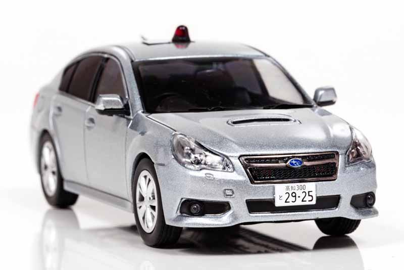 police-car-of-kanagawa-kochi-prefectural-police-appeared-in-11cm-model-regashii-2014-model-1000-units-limited-sales20160708-5