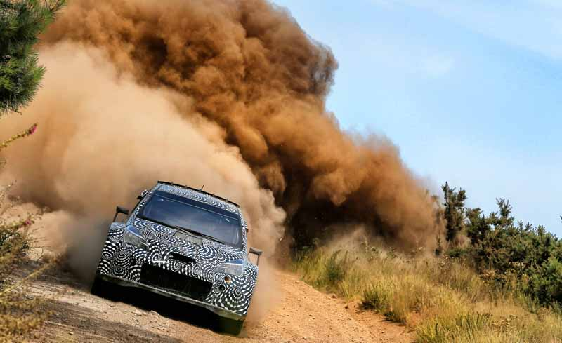 toyota-unveiled-a-video-of-combat-vehicle-yaris-wrc-towards-the-wrc-race-201720160725-4