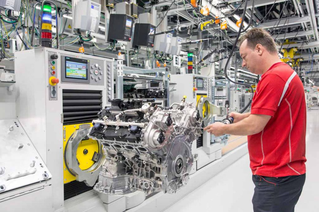v8-engine-production-under-the-umbrella-of-vw-group-completed-a-new-plant-in-zuffenhausen-to-aggregate-in-porsche20160713-2