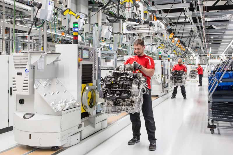 v8-engine-production-under-the-umbrella-of-vw-group-completed-a-new-plant-in-zuffenhausen-to-aggregate-in-porsche20160713-5