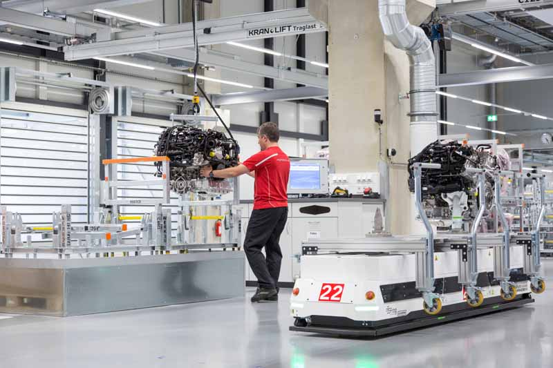 v8-engine-production-under-the-umbrella-of-vw-group-completed-a-new-plant-in-zuffenhausen-to-aggregate-in-porsche20160713-6