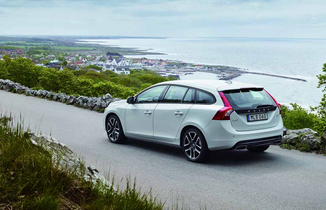volvo-special-specification-car-volvo-s60-v60-d4-dynamic-edition-released20160726-1