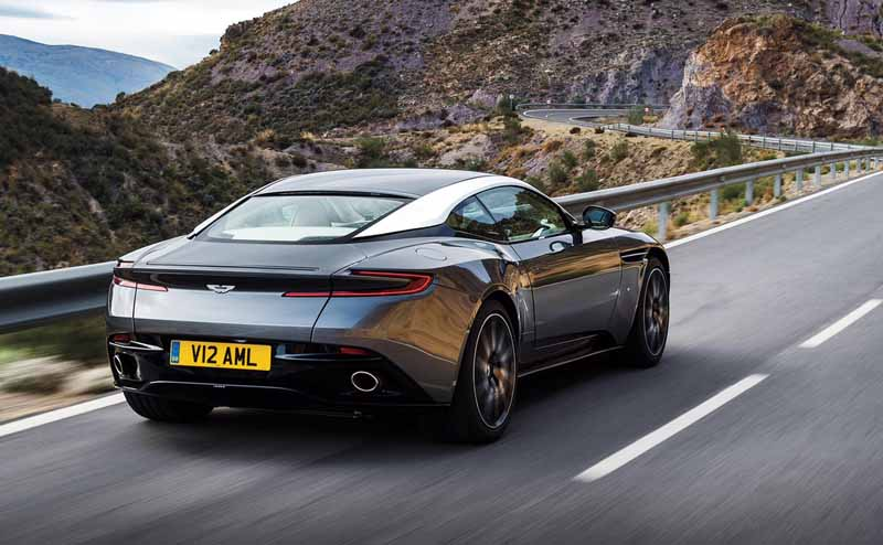 aston-martin-announced-a-capsule-collection-in-partnership-anniversary-with-hackett20160815-4