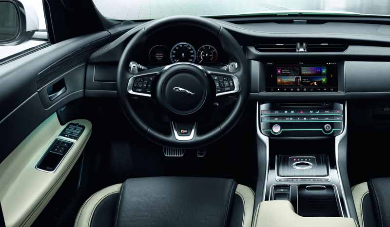 jaguar-land-rover-japan-orders-the-start-of-the-luxury-saloon-xf-2017-model-year20160821-13