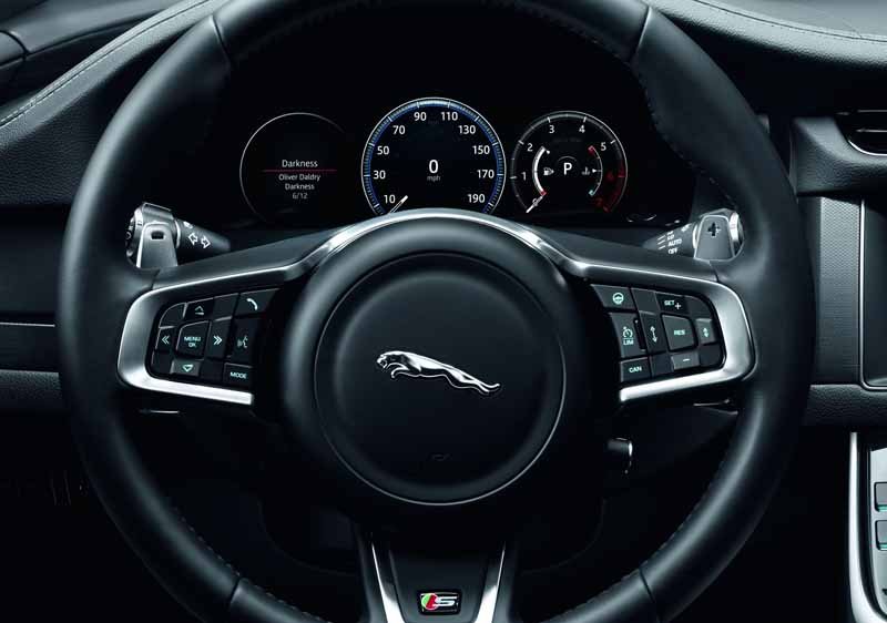 jaguar-land-rover-japan-orders-the-start-of-the-luxury-saloon-xf-2017-model-year20160821-14