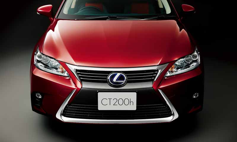 lexus-set-the-special-specification-car-cool-touring-style-with-an-increased-sophistication-in-ct20160827-18