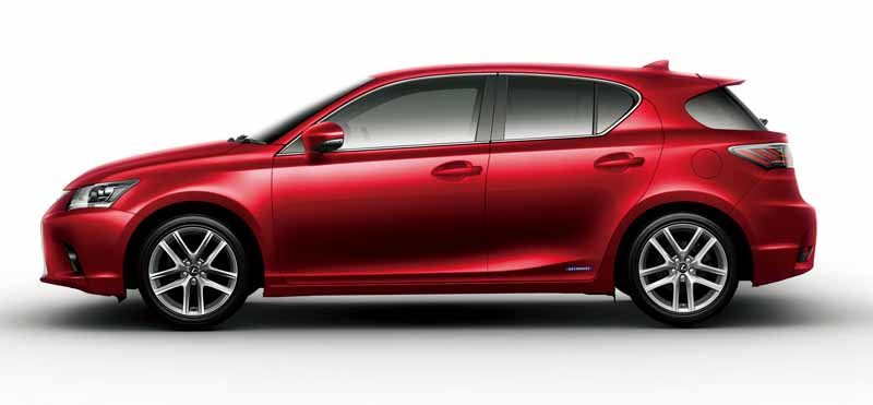 lexus-set-the-special-specification-car-cool-touring-style-with-an-increased-sophistication-in-ct20160827-21